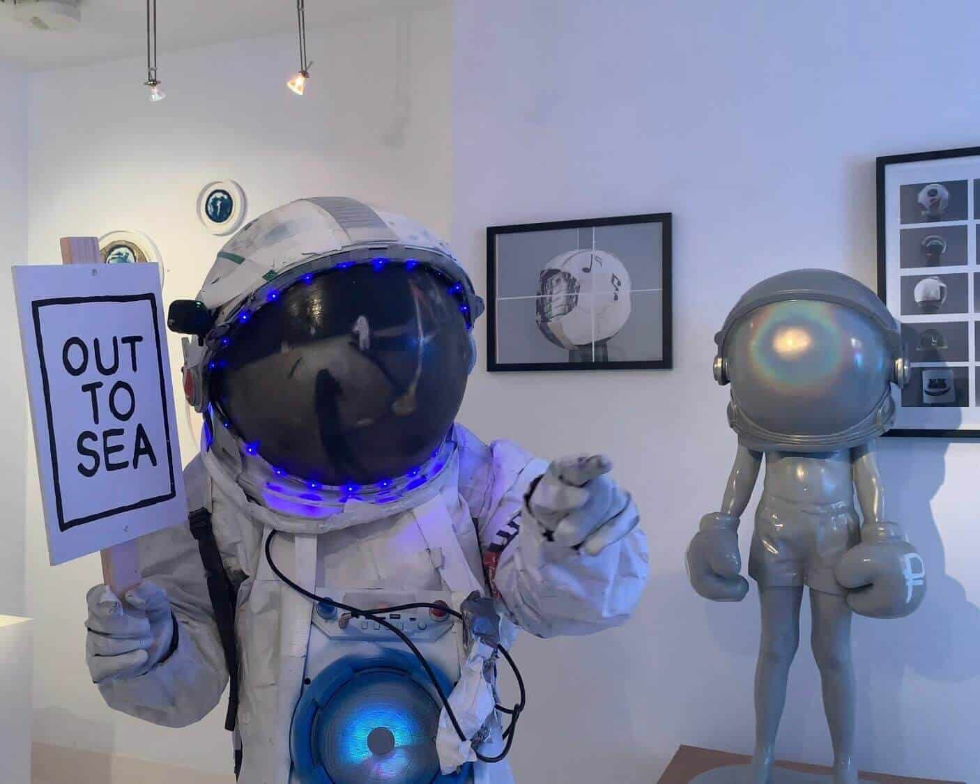 Ben-Moore-Astronaut-One-Small-Step-Installation+(11)